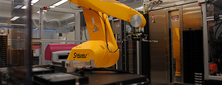 High-throughput screening robot